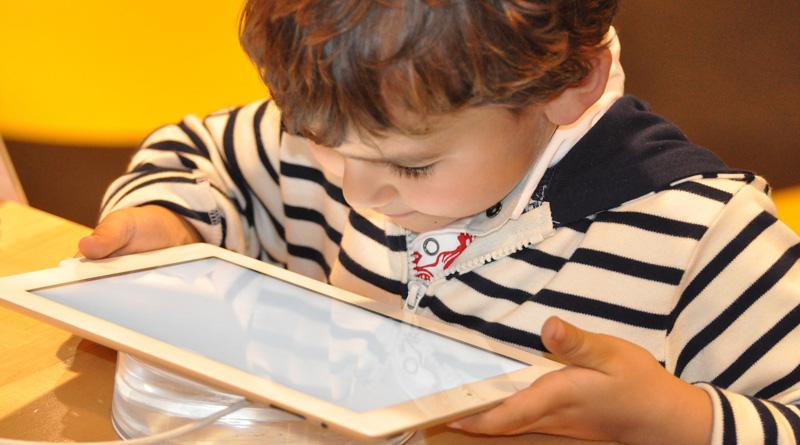 La surexposition aux écrans chez l'enfant